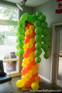 Balloon decorating - balloon palm tree
